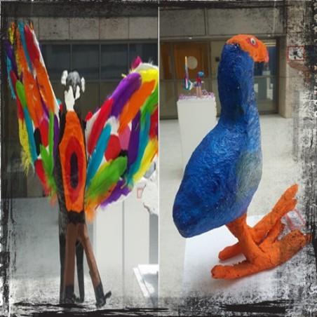 תוכי וציפור כחולה